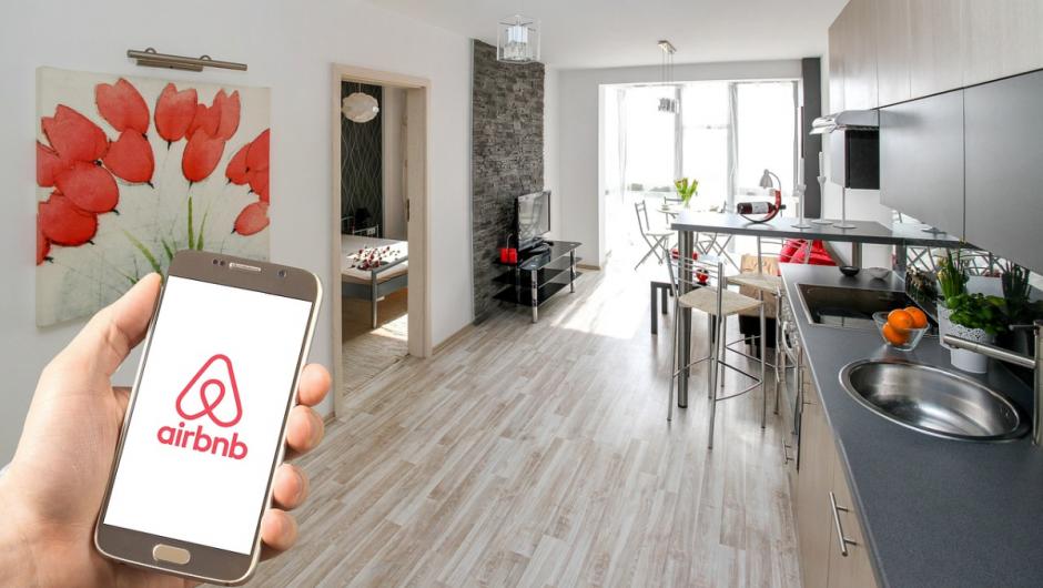 Experiențele virtuale: strategia Airbnb pentru combaterea efectelor crizei COVID-19