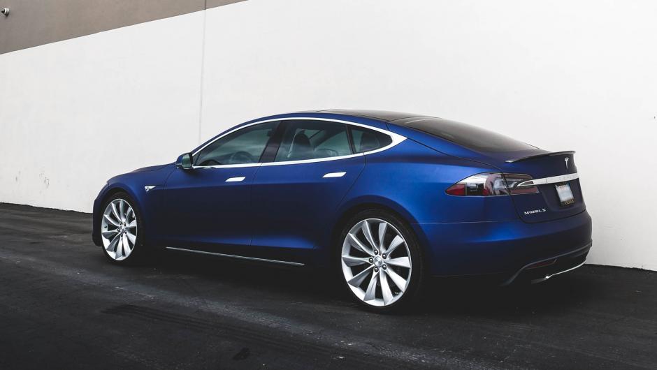 Bateria care ține 16 ani și 2 milioane de kilometri este promisă de un furnizor Tesla